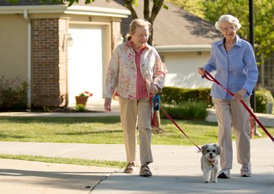 How Residents Live a Stress-Free, Worry-Free Lifestyle at Kingswood Senior Living